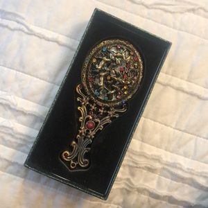 Accessories - Ying Han antique style mirror